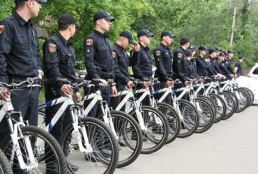 Одесские пляжи начали охранять 50 велопатрулей