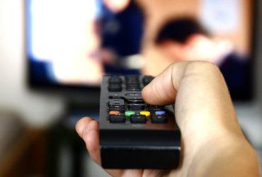 С октября все телеканалы и радиостанции заговорят на украинском