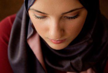 Мусульманка получила 85 тысяч долларов за сорванный полицейским хиджаб