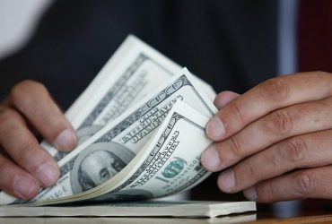 "Одесского эксперта ""поймали"" на взятке 15 тысяч гривен (ФОТО)"