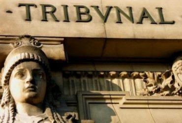Приговорённый к 20-летнему заключению генерал выпил яд в зале суда (ВИДЕО)