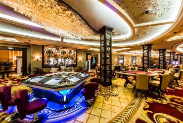 В Лас-Вегасе неизвестный в очках и парике в одиночку ограбил казино