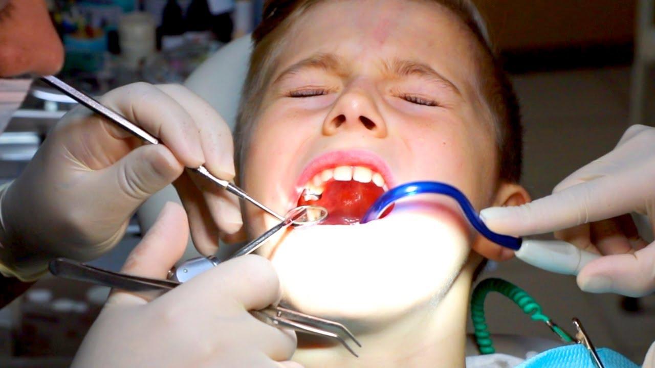 Если ребенку вырвали зуб что делать
