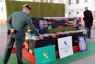 В испанском порту изъяли полтонны кокаина на сумму 18 миллионов евро (ФОТО)