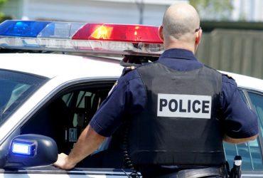 В США полицейский случайно обезвредил своего напарника (ВИДЕО)