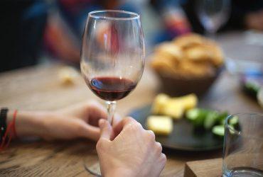 В Молдове запретили рекламу алкоголя