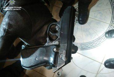 И снова стрельба: у одессита в доме нашли целый арсенал оружия (ФОТО)