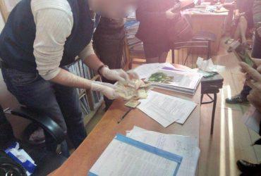 В Одессе налогового инспектора задержали на взятке (ФОТО)