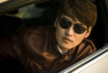 Китайские полицейские находят подозреваемых с помощью солнечных очков